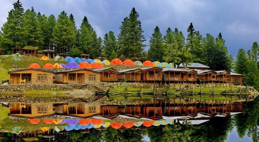 best hotel in fairy meadows